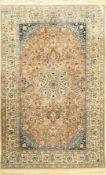 Nain alt, Persien, ca. 60 Jahre, Korkwolle mit Seide, ca. 192 x 121 cm, feine Qualität, leichter