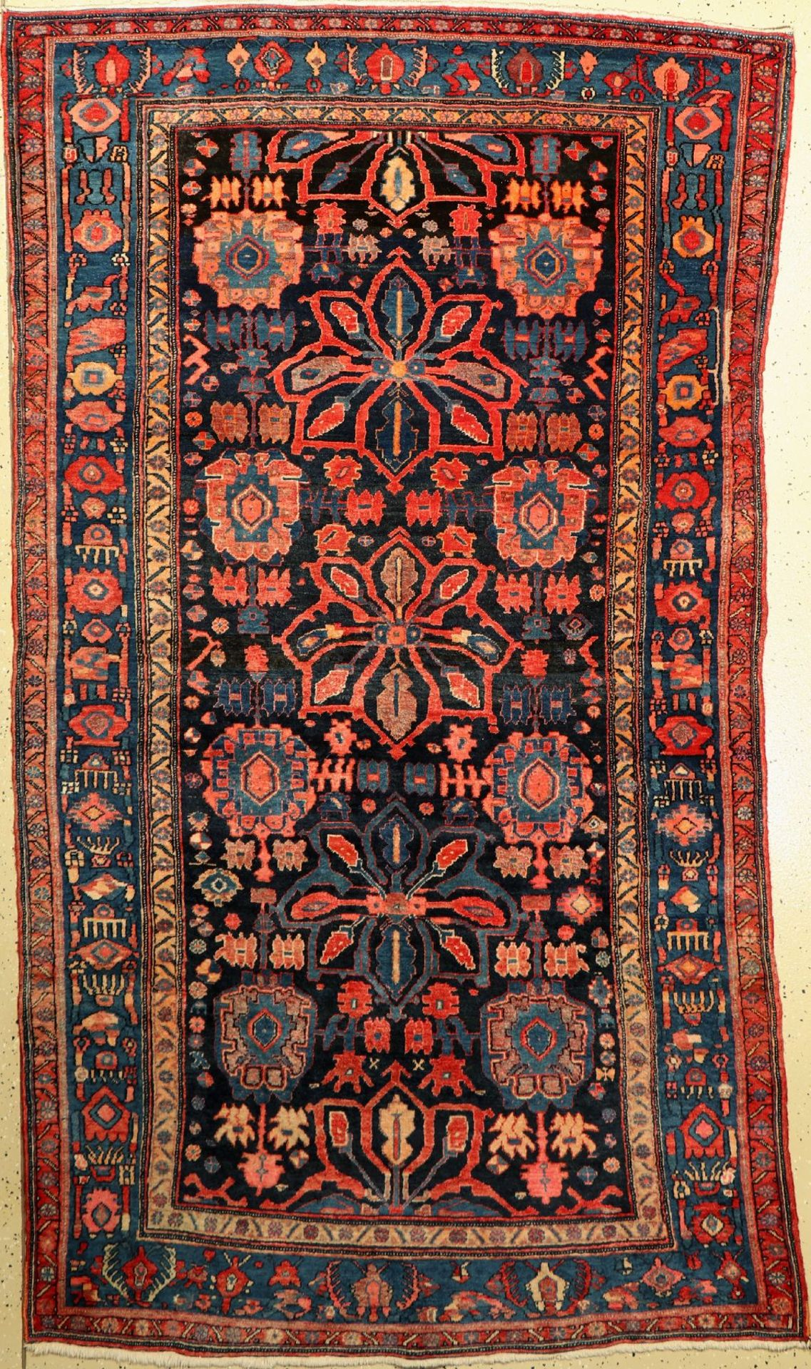 Bidjar alt, Persien, um 1940, Wolle auf Baumwolle, ca. 248 x 139 cm, Stern Medaillons,EHZ: 2-3,