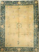 Peking alt, China, um 1940, Wolle auf Baumwolle, ca. 352 x 270 cm, EHZ: 3-4, FleckenBeijing Carpet ,