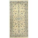 Nain fein, Persien, ca. 30 Jahre, Korkwollemit Seide, ca. 200 x 100 cm, Reinigungsbedürftig, EHZ: