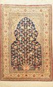 Kaisery Seide, Türkei, ca. 40 Jahre, reine Naturseide, ca. 123 x 84 cm, EHZ: 2Kaisery Silk Rug ,