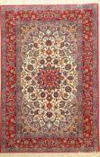 Esfahan fein, Persien, ca. 50 Jahre, Korkwolle mit und auf Seide, ca. 162 x 108 cm,EHZ: 2Fine