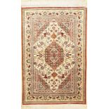 Ghom Seide, Persien, ca. 50 Jahre, Naturseide, ca. 150 x 99 cm, EHZ: 2-3Qum Silk Rug , Persia, circa