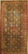 Täbriz antik datiert, Persien, um 1900, Wolle auf Baumwolle, ca. 557 x 268 cm, EHZ: 4-5 (