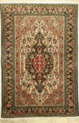 Ghom, Persien, ca. 40 Jahre, Wolle auf Baumwolle, ca. 161 x 107 cm, EHZ: 2Qum Rug , Persia,