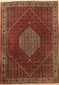 Bidjar, Persien, ca. 40 Jahre, Korkwolle, ca. 298 x 208 cm, EHZ: 2 (verblasst)Bijar Carpet , Persia,