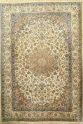 Nain fein, Persien, ca. 50 Jahre, Korkwollemit Seide, ca. 316 x 207 cm, EHZ: 2Fine Nain Carpet ,