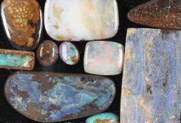 Lot lose Opale, versch. Größen, Formen und Farben, total ca. 208 ct, u.a. AusfasswareLot loose opals