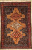 Senneh fein alt, Persien, ca. 40 Jahre, Wolle auf Baumwolle, ca. 200 x 135 cm, EHZ: 3Fine Senneh