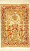 Feiner Seiden Hereke alt, (Signiert), Türkei, ca. 40 Jahre, reine Naturseide, ca. 130 x 88 cm,
