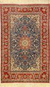 Feiner Esfahan alt, Persien, ca. 50 Jahre, Korkwolle auf Seide, ca. 175 x 110 cm, feine Knüpfung,