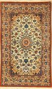 Feiner Esfahan alt, Persien, ca. 40 Jahre, Korkwolle auf Seide, ca. 172 x 106 cm, feine Knüpfung,