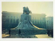 "Christo und Jeanne-Claude, Wrapped Monument to Vittorio Emanuele, Piazzo del Duomo, Milan, 1970"","