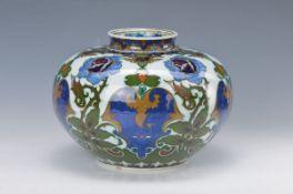 Vase, Rozenburg, Holland, um 1905-06, Porzellan, umlaufender bunter Blumendekor, H.ca. 18cmvase,