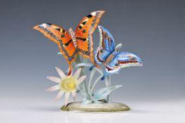 Porzellanskulptur, Rosenthal, 1930/40er Jahre, Schmetterlinge mit Blume, reiche polychrome Bemalung,