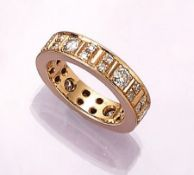 18 kt gold memoryring with brilliants , YG 750/000, 6 brilliants total approx. 0.90 ct Wesselton/