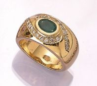 18 kt gold ring with emeralds and diamonds ,YG 750/000, oval bevelled emerald approx. 1.05ct, 21