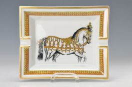 ash-tray, Hermes Paris, porcelain, with horse motif, gold rim, approx. 4x18x15.5cm