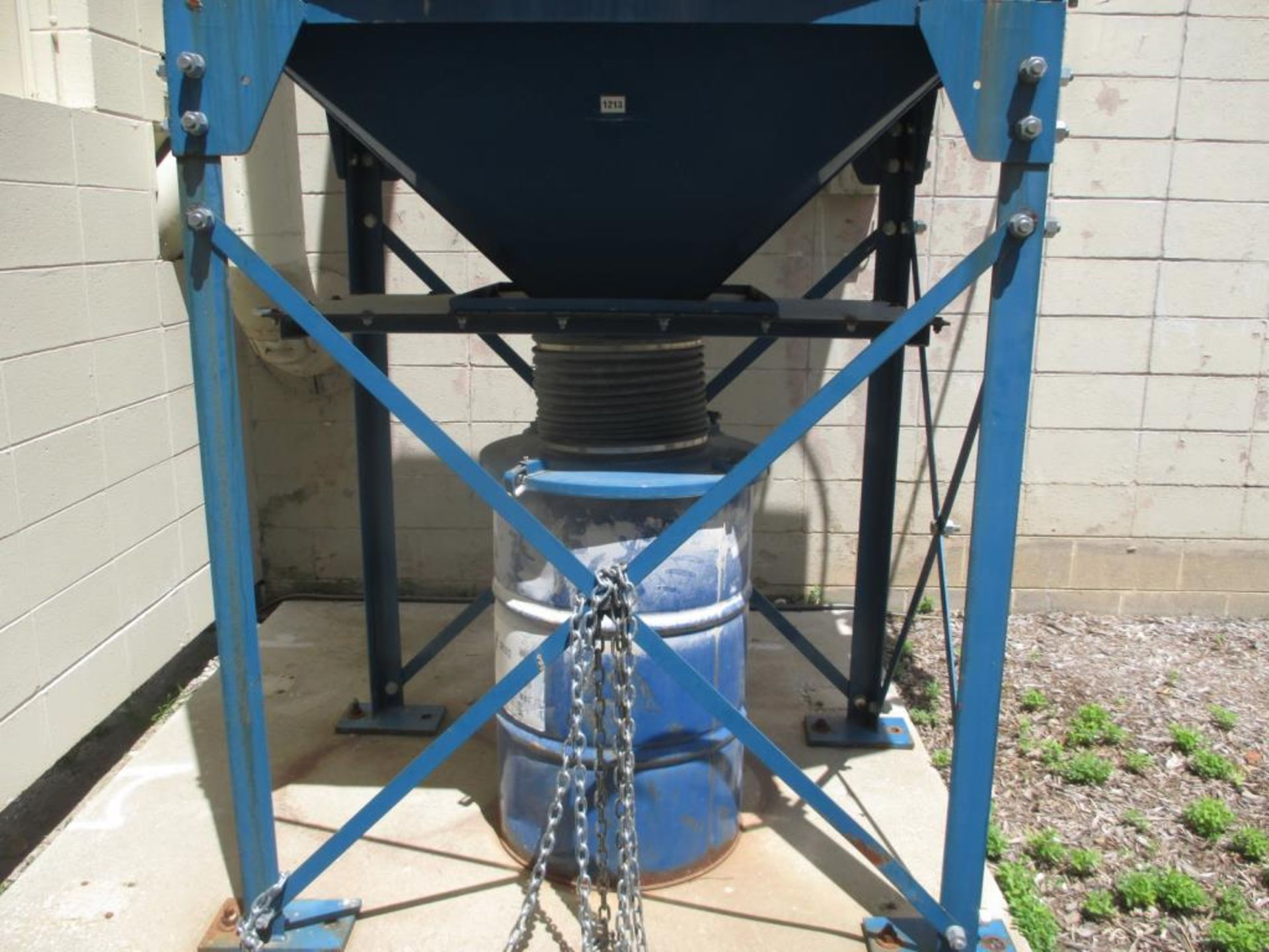 Lot 124 - Dust Collector