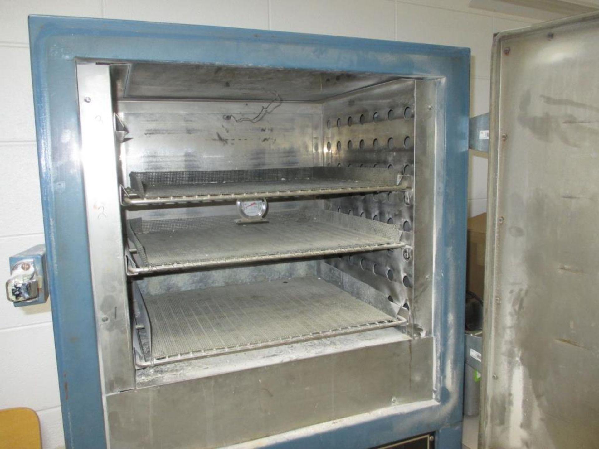 Lot 133 - Constant Temp Oven