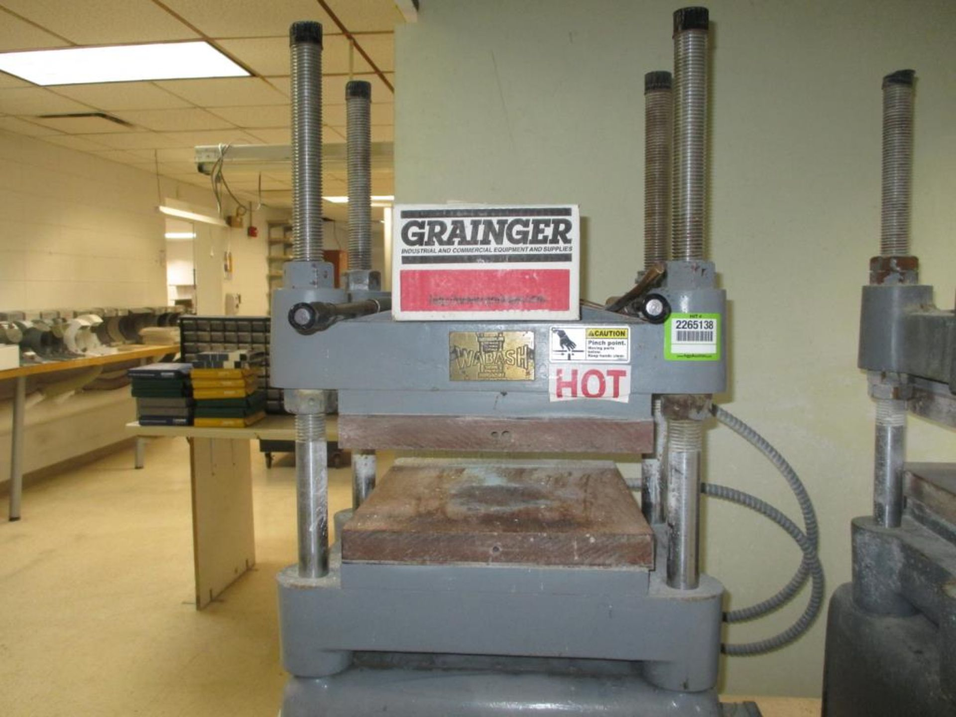 Lot 122 - 12 ton Heated Platen Press