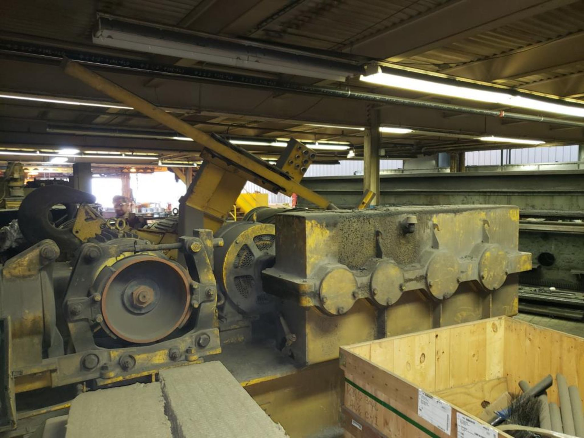 Lot 147 - 50/25 Ton Crane
