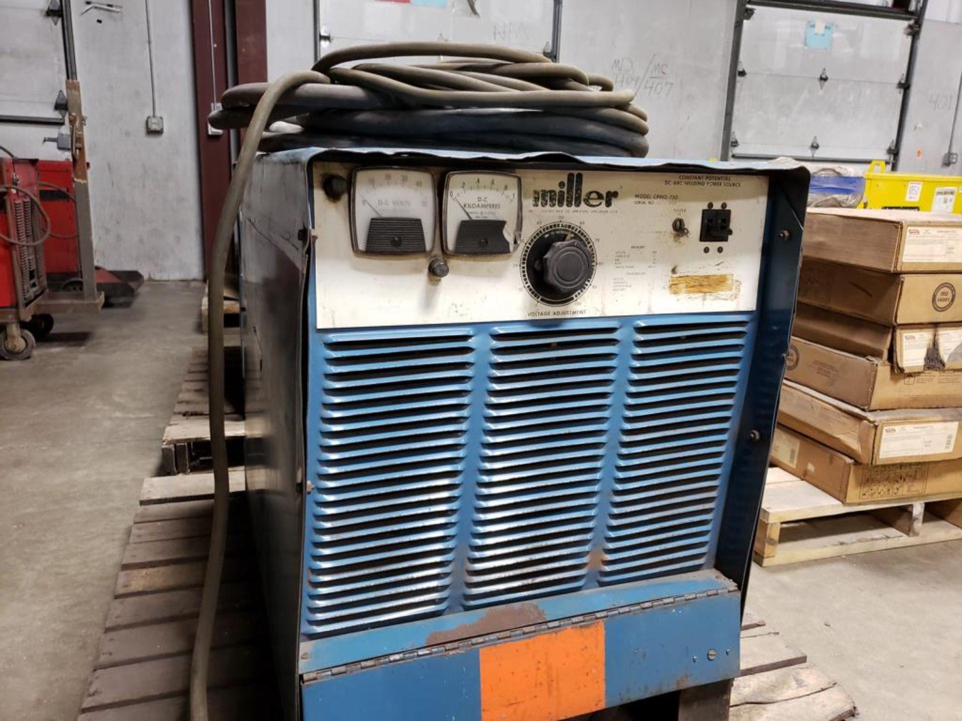 Lot 155 - DC Arc Welding Machine