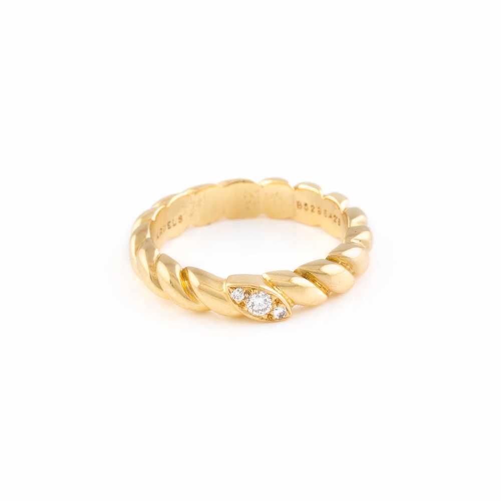 Lot 46 - DIAMANT-RING 'VAN CLEEF & ARPELS' Gelbgold. Ringmaß ca. 52, Ges.-Gew. ca. 4,9 g. Gest. 750,
