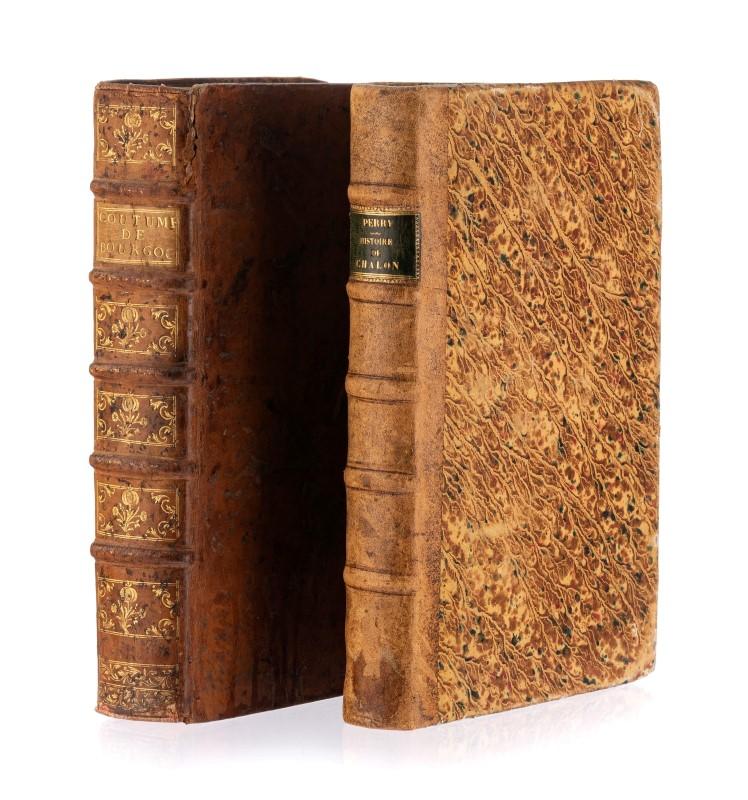 Lot 2 - BOURGOGNE 2 ouvrages gd in-4°: 1)PERRY. Histoire civile et ecclesiastique... de Chalon s/Saone. 1659