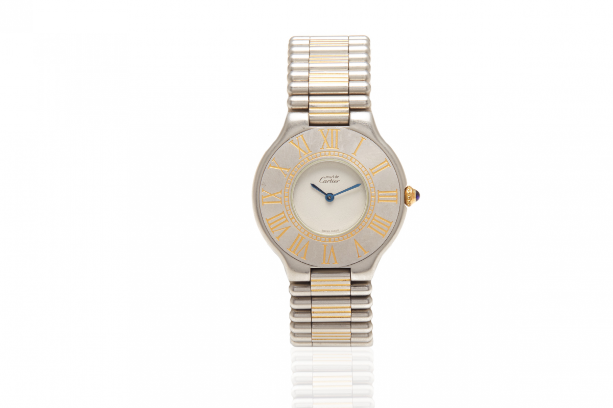 Lot 21 - CARTIER - A LADY MUST 21 WATCH