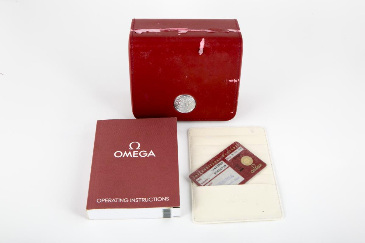 Lot 4 - OMEGA - A HALF GOLD 'SPEEDMASTER' WATCH
