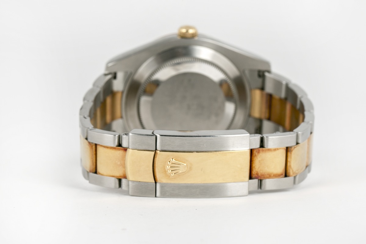 Lot 2 - ROLEX - AN 'OYSTER PERPETUAL' WATCH