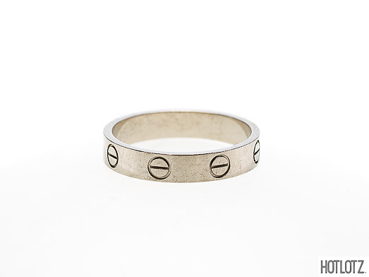 Lot 36 - CARTIER - AN 18K WHITE GOLD 'LOVE' RING