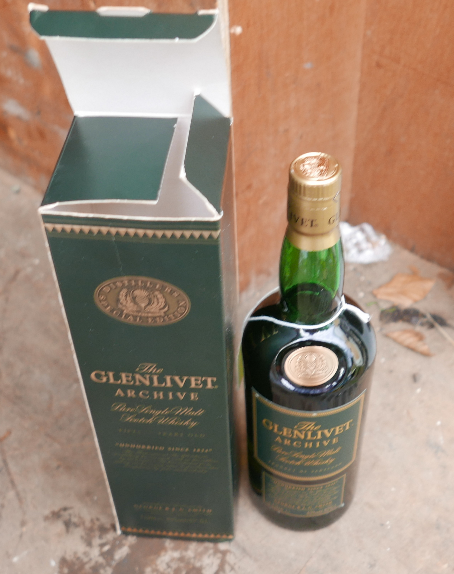 Lot 50V - Boxed Bottle of Glenlivet 15 year Old Whisky.