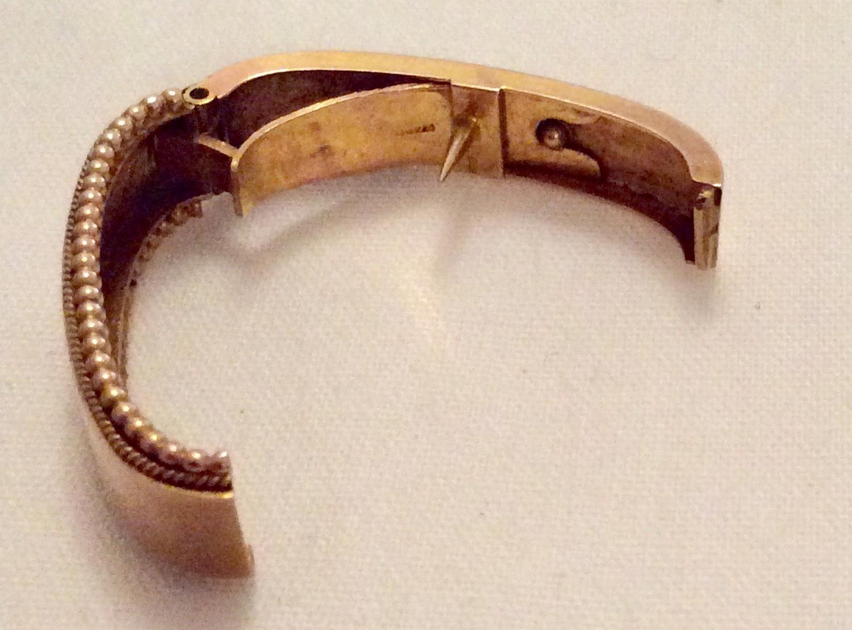 Lot 30 - Vintage 9 karat Gold Scarf/Ring Clip.
