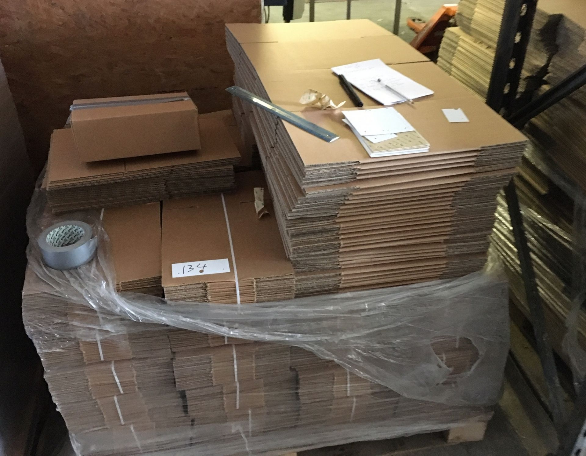 Lot 134 - Part Pallet of Cardboard Boxes approx 280mm x 170mm x 100mm.