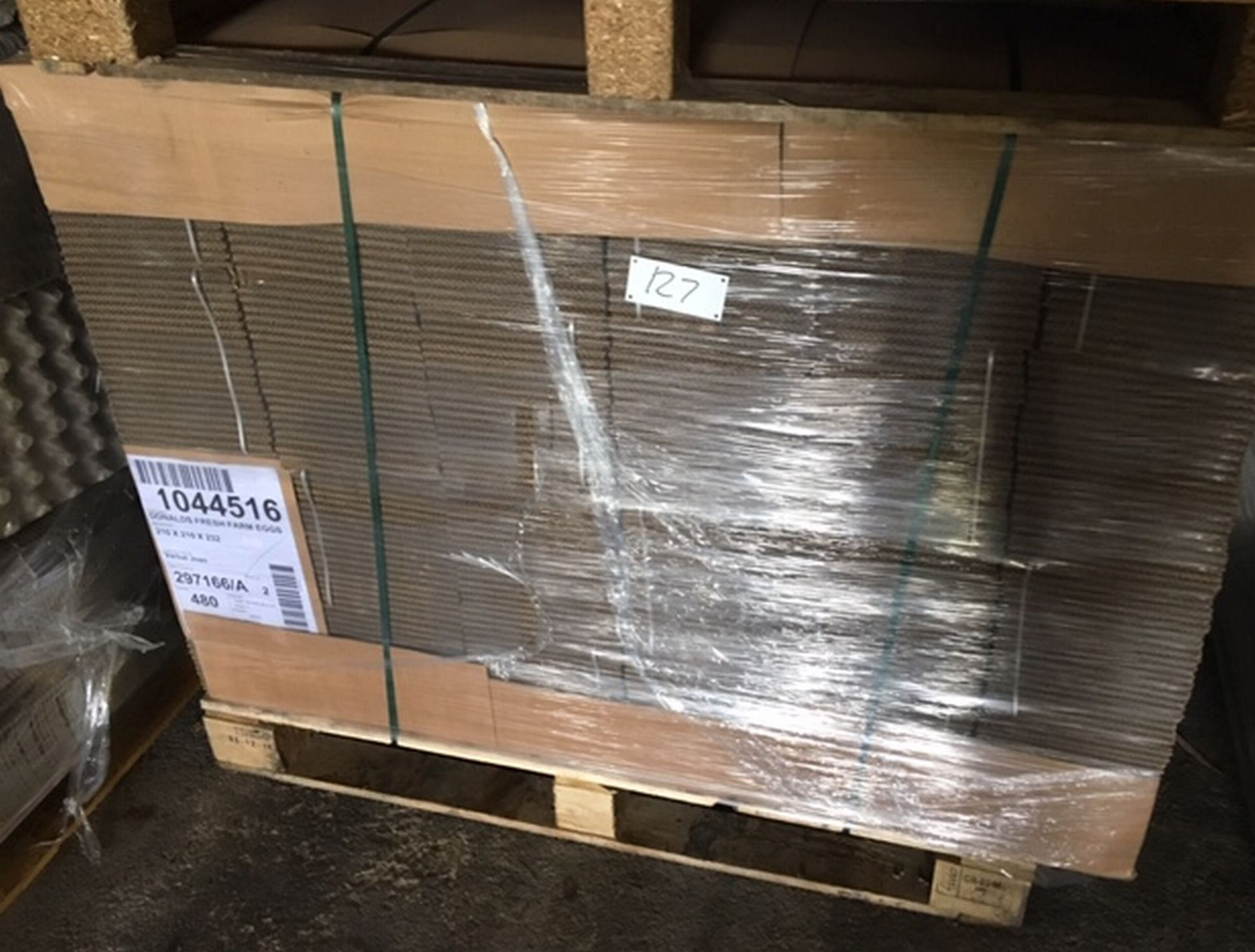 Lot 127 - Pallet of 480 Cardboard Boxes 210mm x 210mm x 232mm.