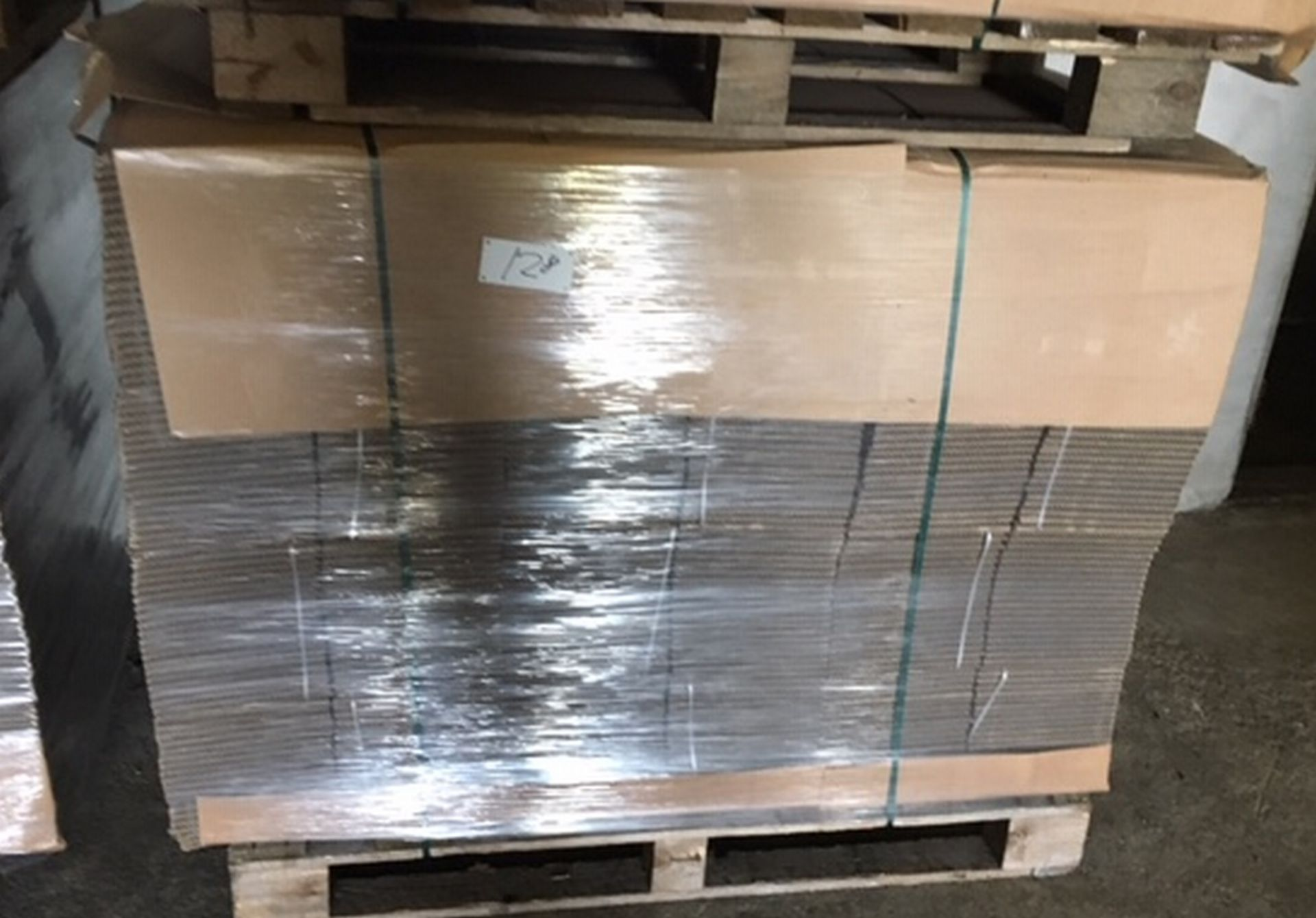 Lot 128 - Pallet of 480 Cardboard Boxes 210mm x 210mm x 232mm.