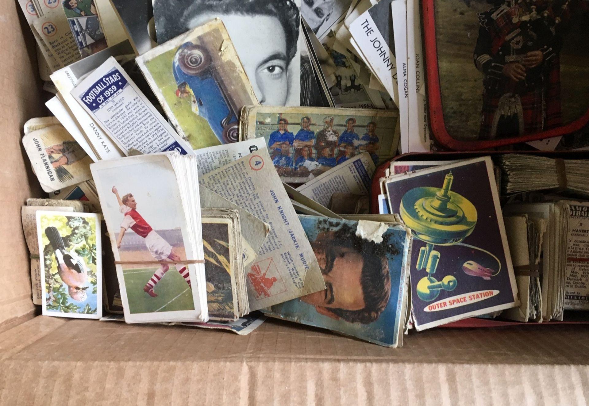 Lot 6 - Lot of Ephemera - Cigarette Cards etc.