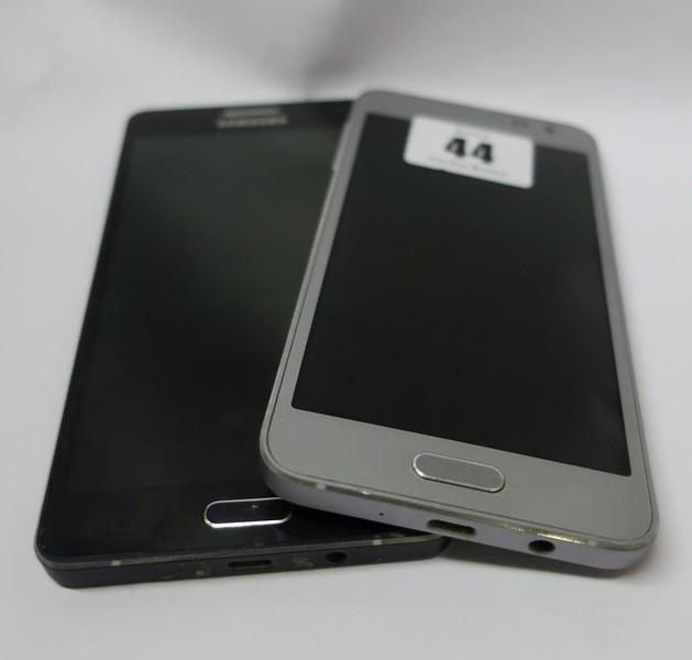 Lot 44 - A Samsung Galaxy A3 SM-A300FU 16GB (IMEI: 356570062915543) and a Samsung Galaxy A5 SM-A500FU 16GB (