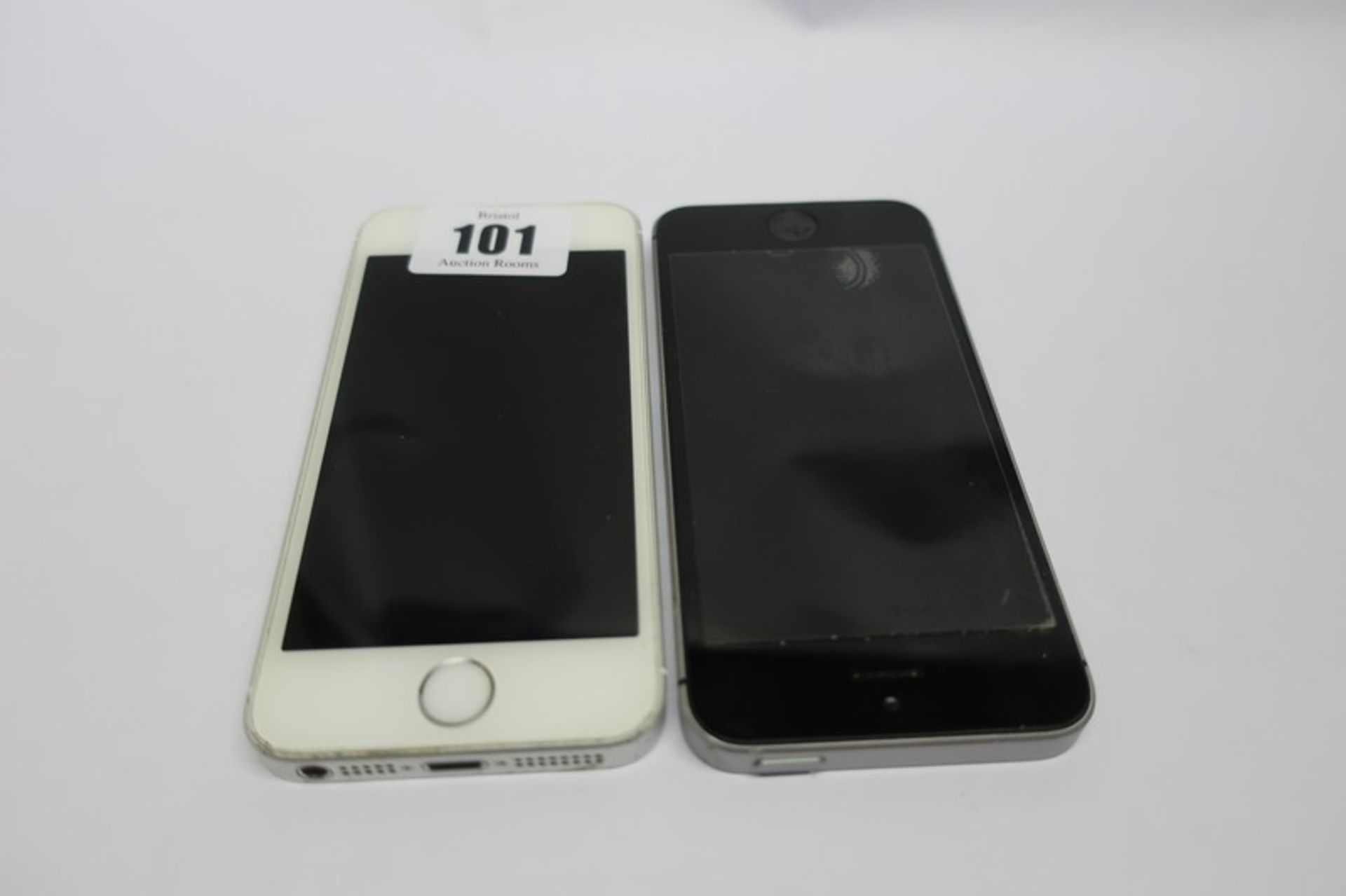 Lot 101 - Two Apple iPhone SE A1723 (IMEI numbers: 359145079118428 / 359225070379177) (Both activation