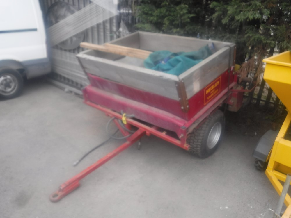Lot 1164 - HUXLEY TOP DRESSER [+ VAT[