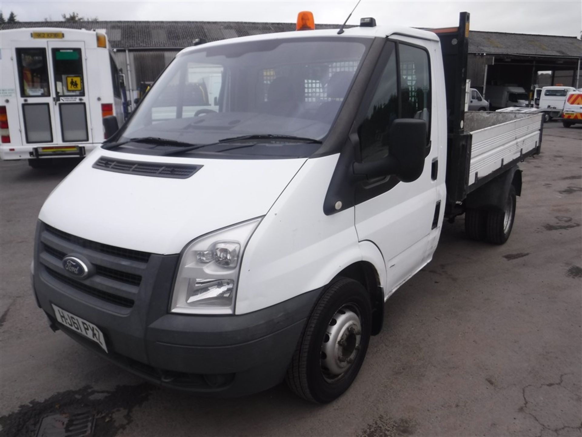 Lot 55 - 61 reg FORD TRANSIT 115 T350 RWD TIPPER, 1ST REG 09/11, 166081M WARRANTED, V5 HERE, 1 FORMER
