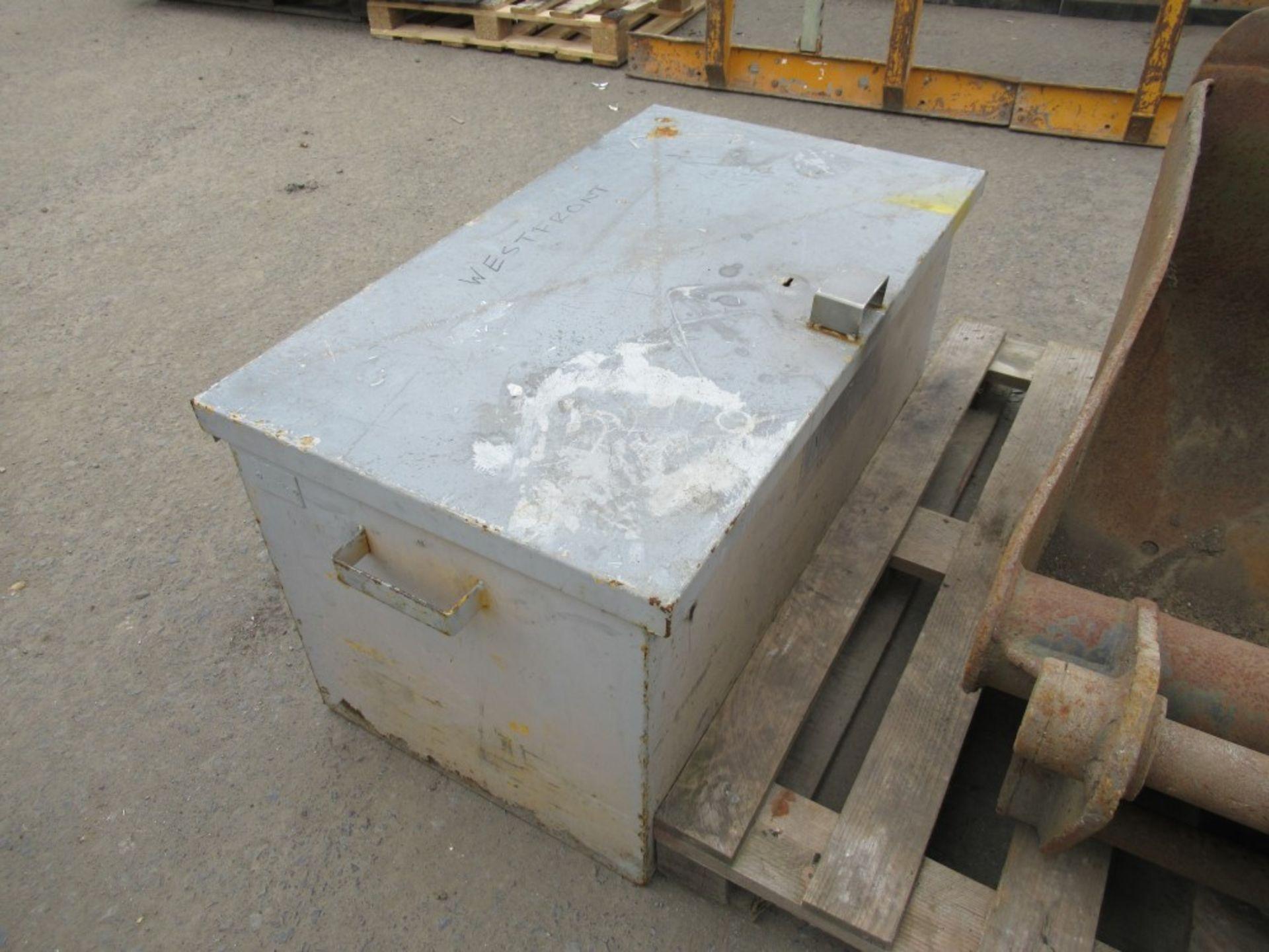 Lot 1113 - SITE TOOL BOX [NO VAT]