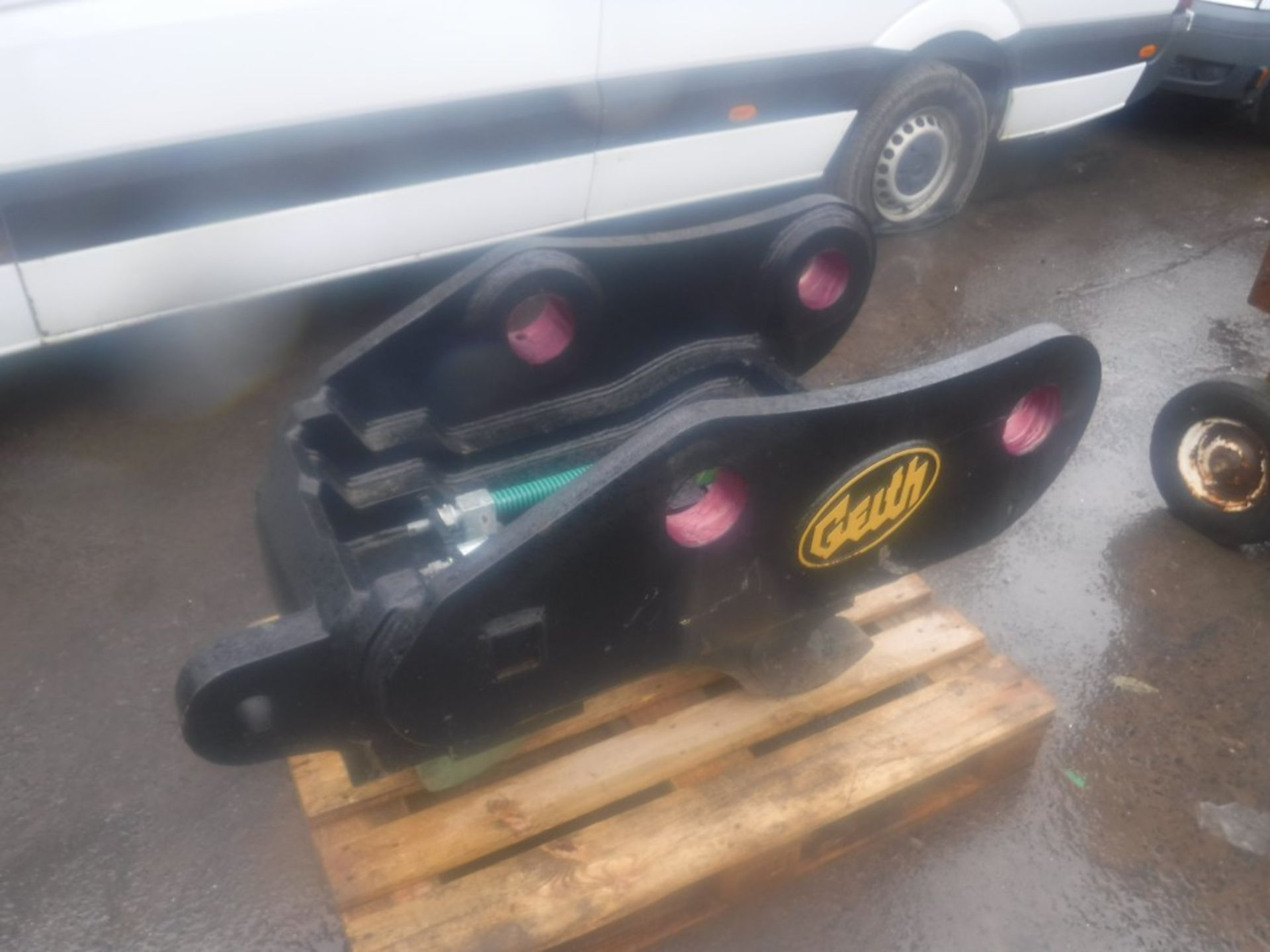 Lot 1112 - GEITH FULLY AUTOMATIC QUICK HITCH (TO SUIT 50 TON M/C ON 110MM PIN) [NO VAT]
