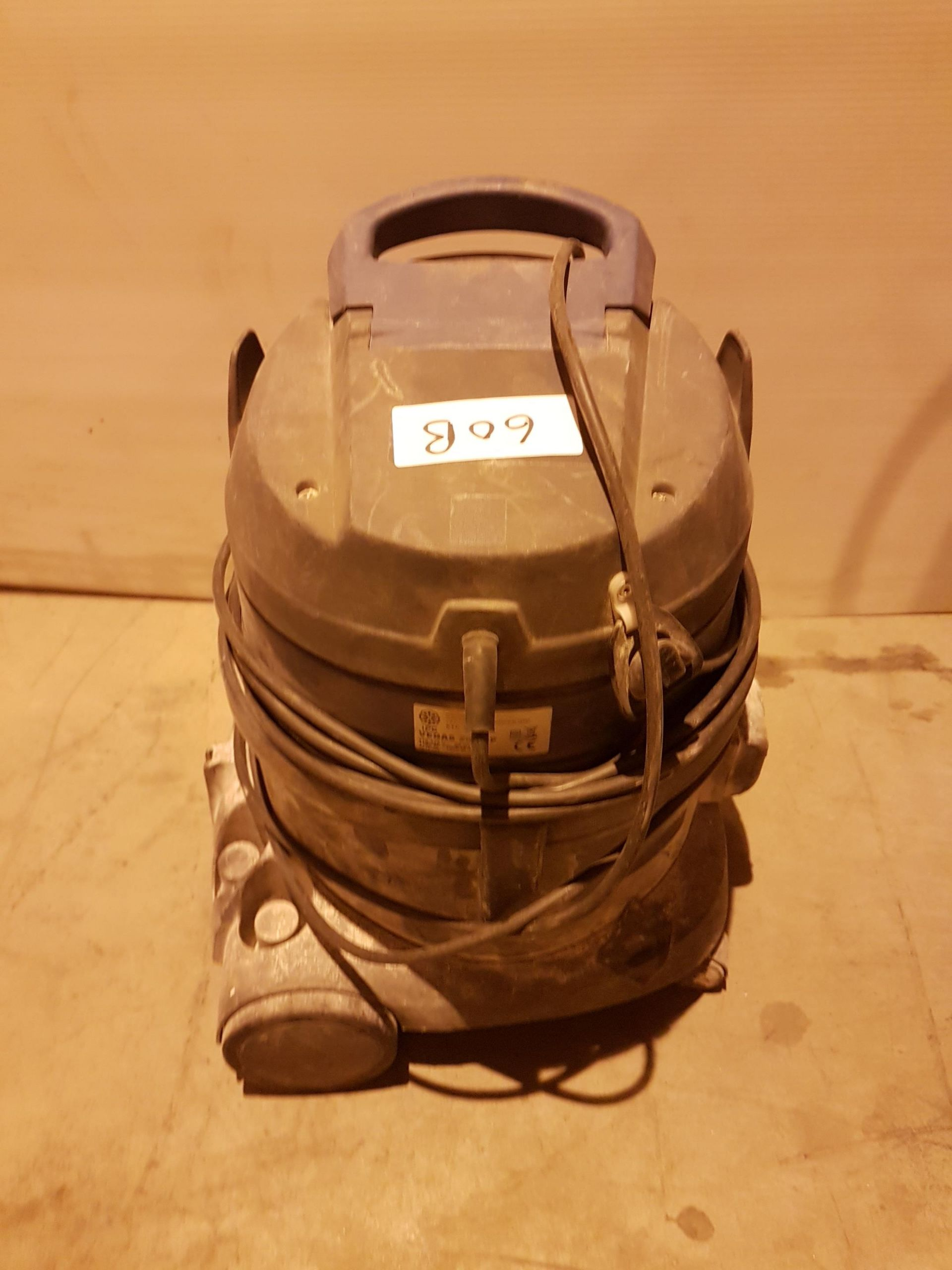 Lot 60 - IPC Vegas 202 HP Light Duty Vacuum 110v stcw7610, working