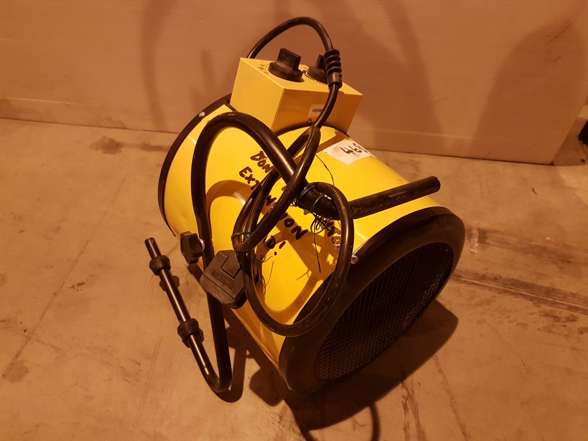 Lot 46 - 240v Retail Heater hskw5494, working