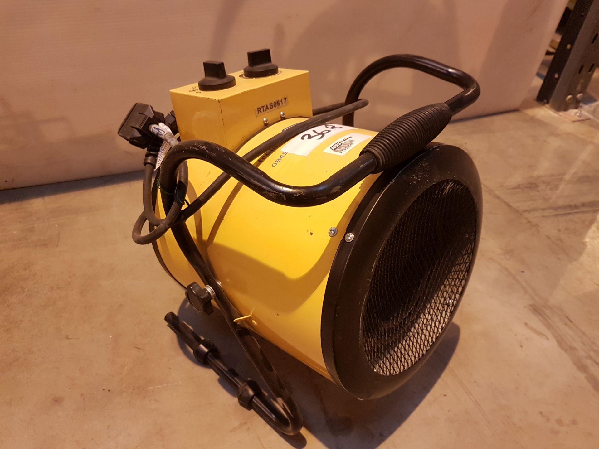 Lot 36 - 240v Retail Heater rtas0617, working