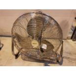 Lot 30 - Pro Elec 240v Oscilating Fan 772H209, working