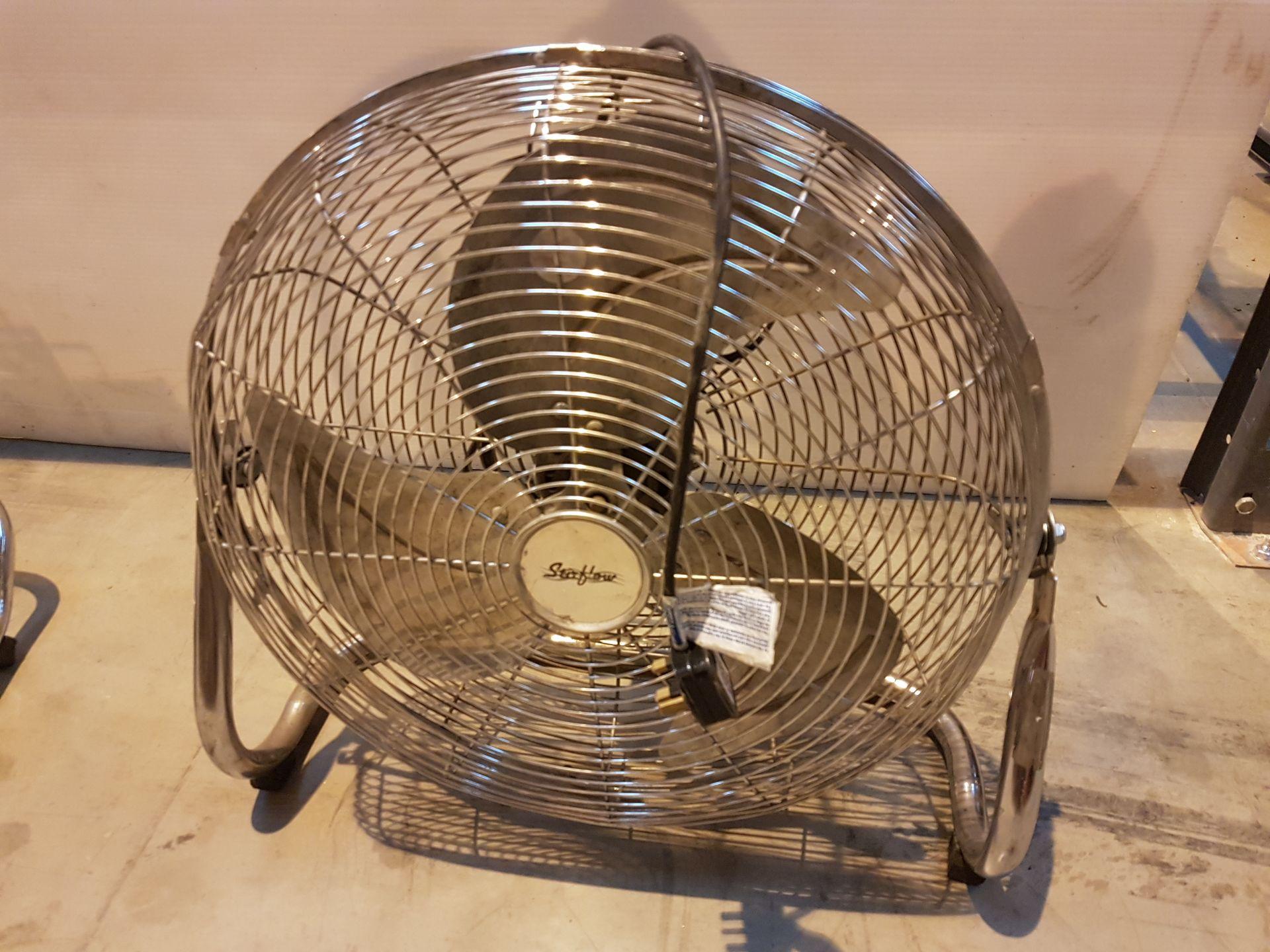 Lot 30 - Pro Elec 240v Oscilating Fan 772H209, working